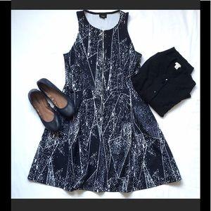 Mossimo, FrontZip Flared Dress, Navy w/geo pattern